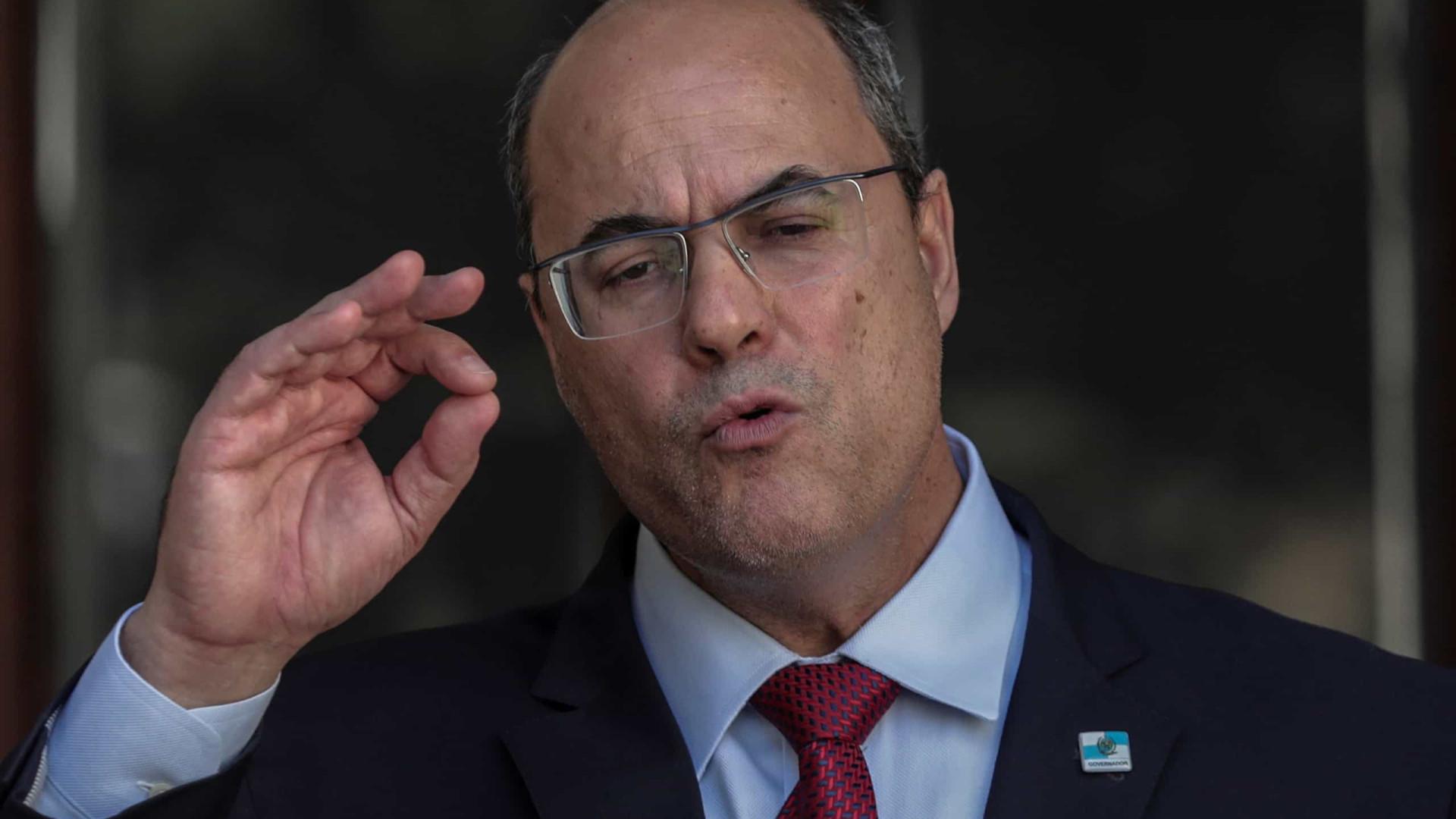 Ex-governador insinua que milícias atuam em hospitais do Rio de Janeiro