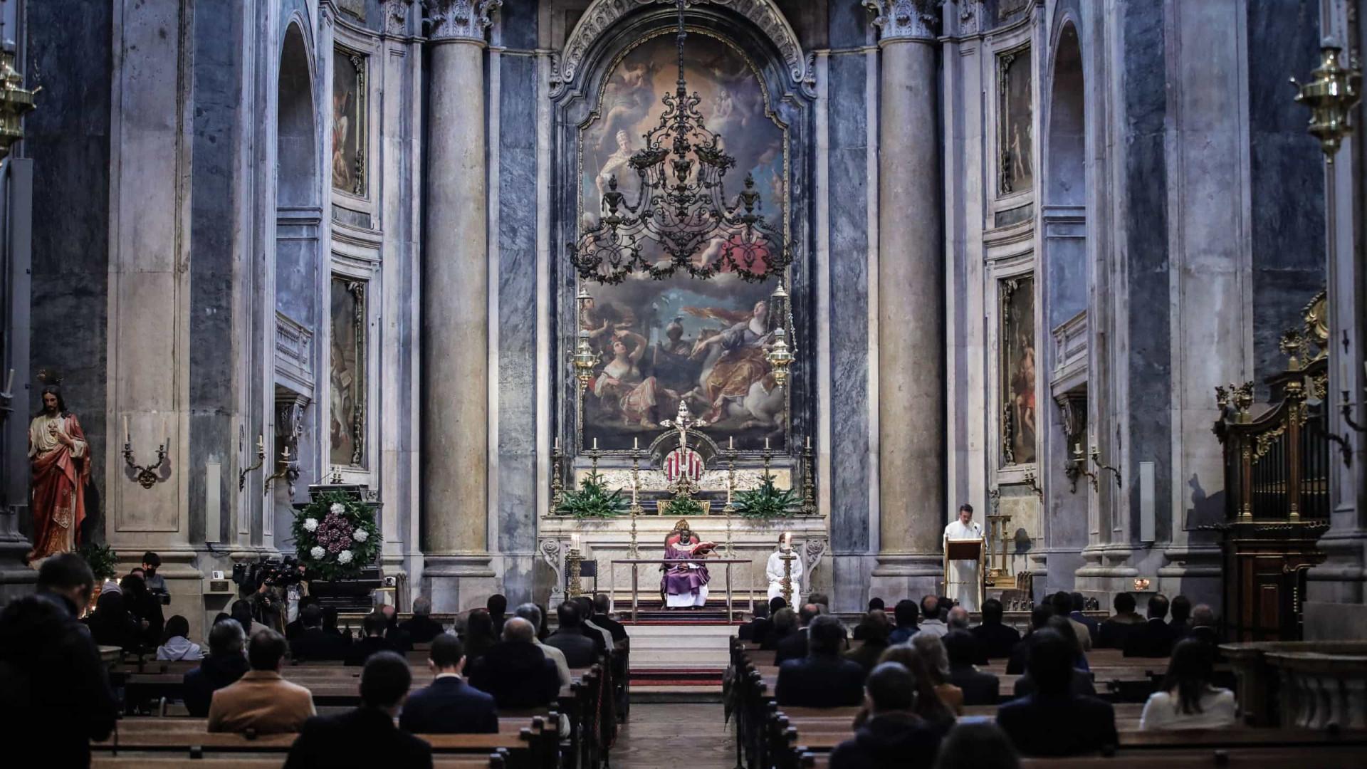 Velório de António Torrado amanhã na Basílica da Estrela