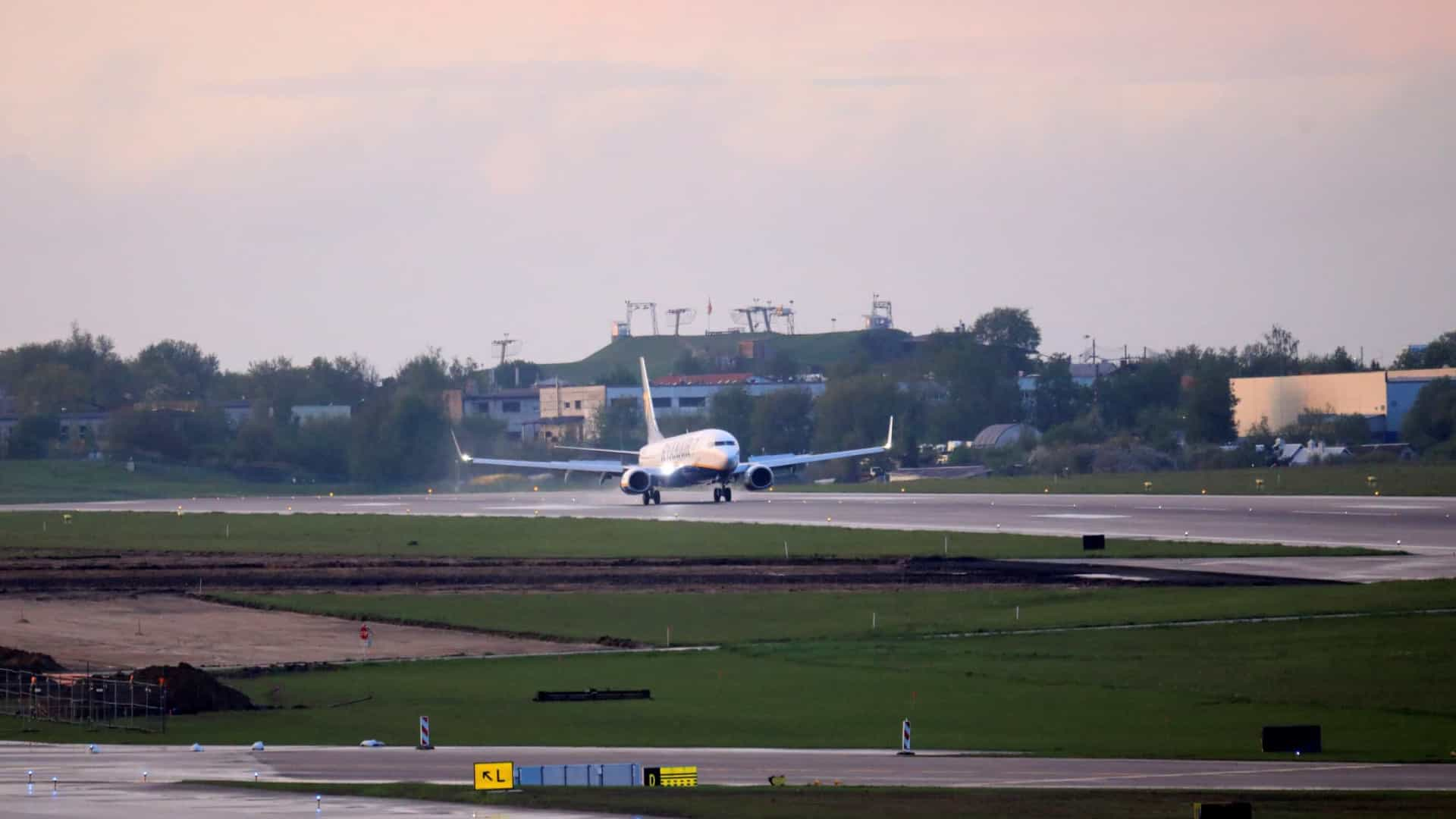OACI pede informação a vários países sobre voo desviado para Minsk