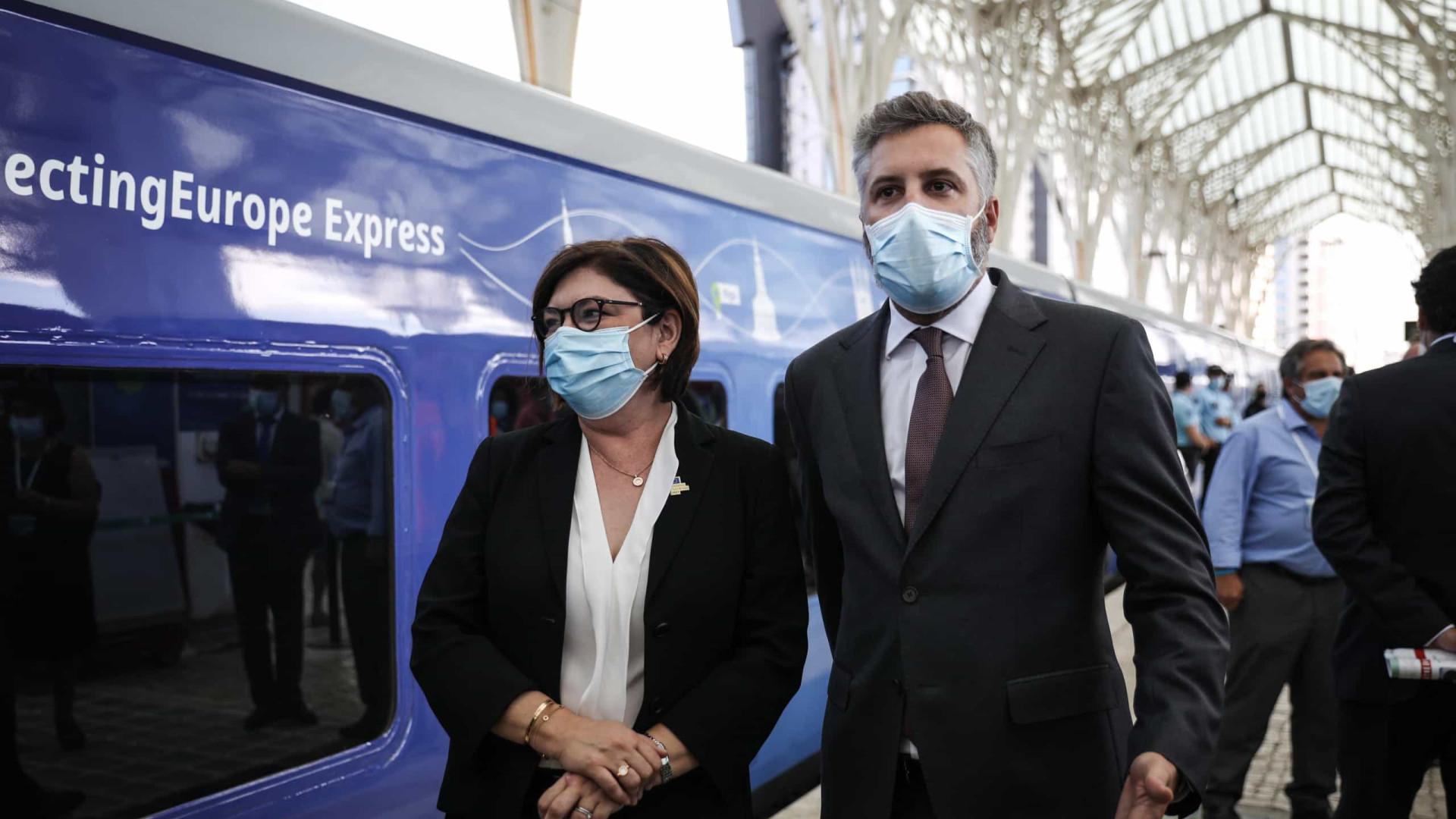 """Pedro Nuno Santos pede fasquia """"mais alta"""" na transição para ferrovia"""