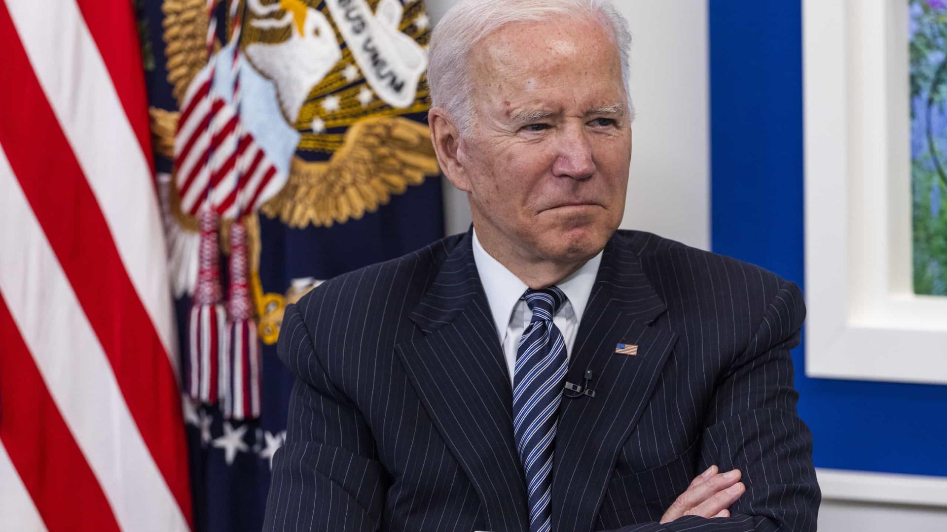 """Biden reclama ter apresentado """"plano histórico"""" para a economia dos EUA"""