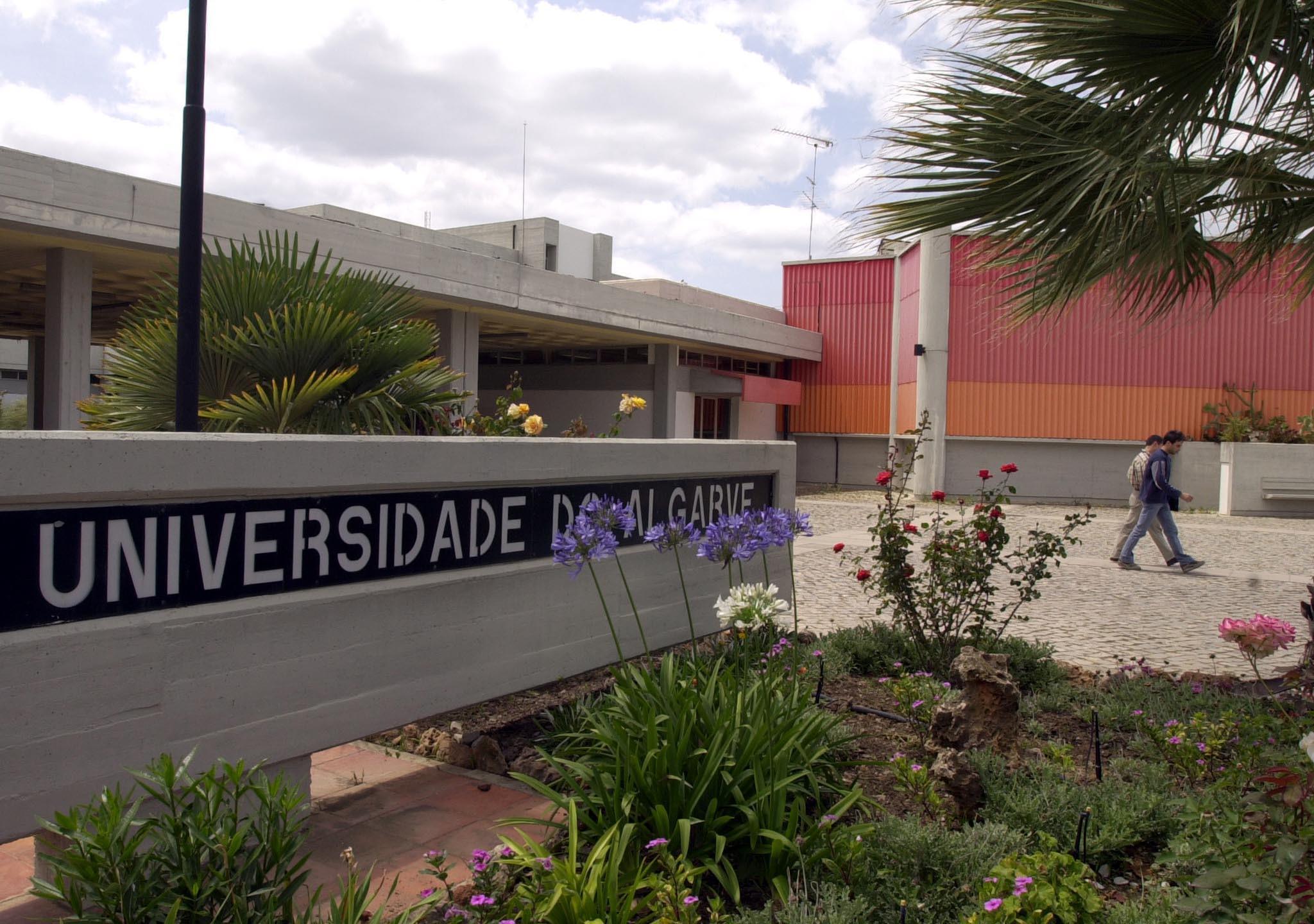 Ameaça de bomba na Universidade do Algarve. Campus da Penha evacuado