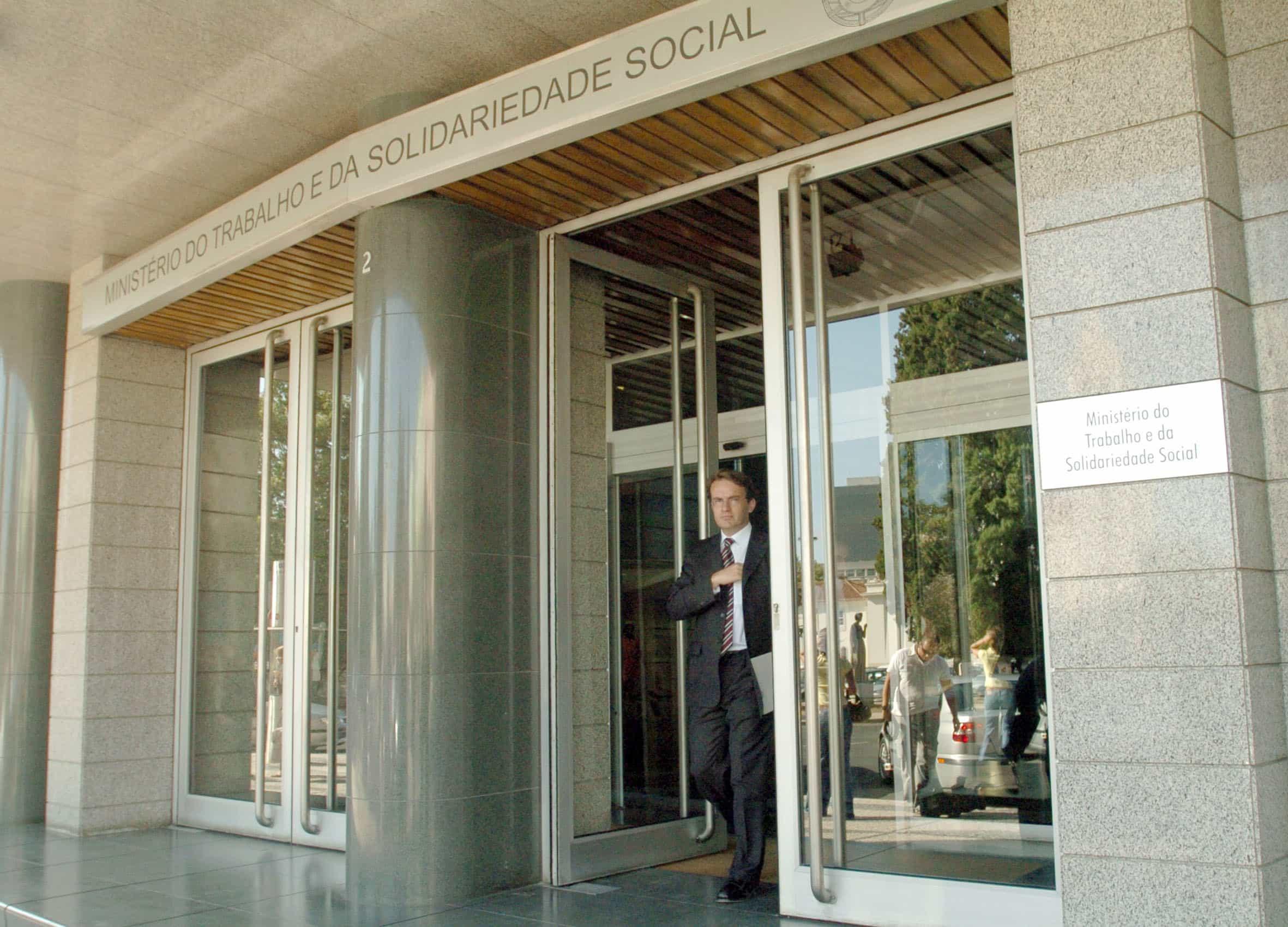 Mais de 219 mil receberam RSI, valor mais alto dos últimos três meses