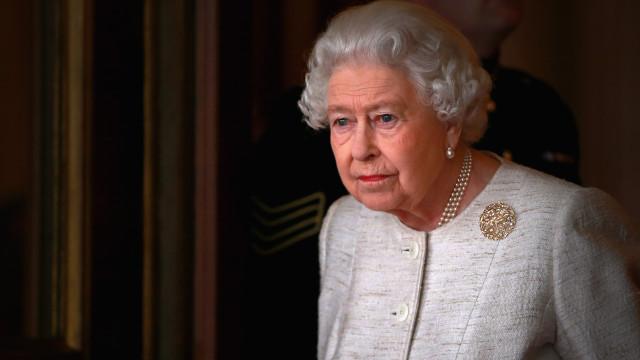 Gostava de gerir as redes sociais de Isabel II? Rainha está a contratar