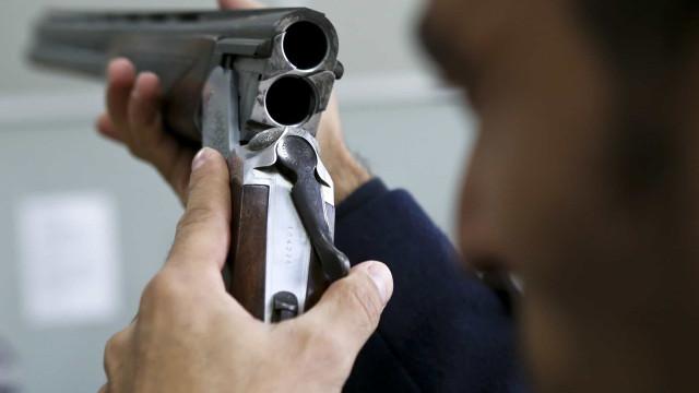Governadores do Brasil pedem revogação do decreto que flexibilizou armas