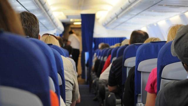 Homem abusou de jovem de 19 anos a bordo de avião