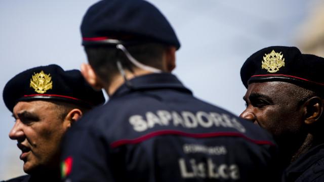 Bombeiros protestam nas ruas de Lisboa contra novas regras de aposentação