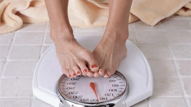 Não perde peso? Quatro fatores que podem estar a boicotar a sua dieta