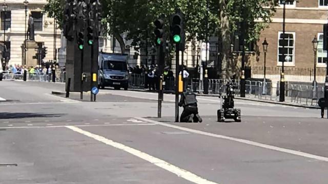 Centro administrativo de Londres fechado devido a pacote suspeito