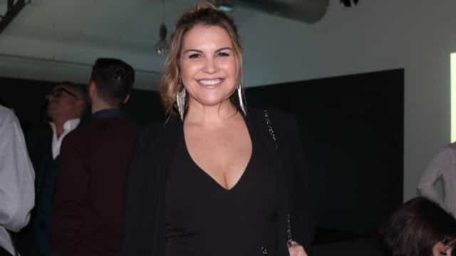 Grávida de seis meses, Katia Aveiro viaja para Lisboa