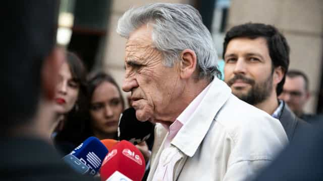 """Jerónimo de Sousa dá """"20 valores"""" à campanha de João Ferreira"""