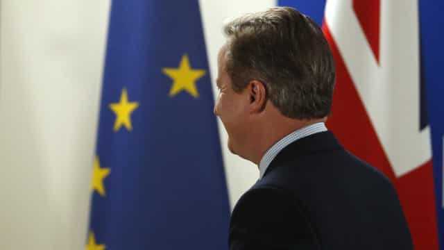 David Cameron pede espírito de compromisso após demissão de May