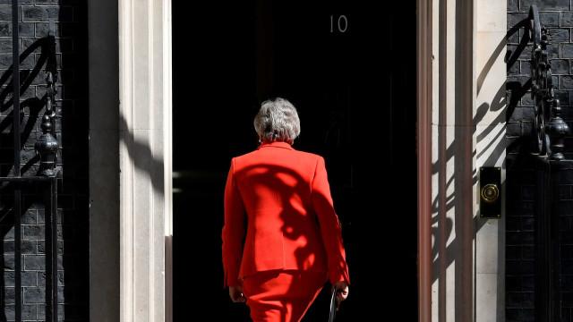 Demissão de Theresa May foi forçada por fracasso com Brexit