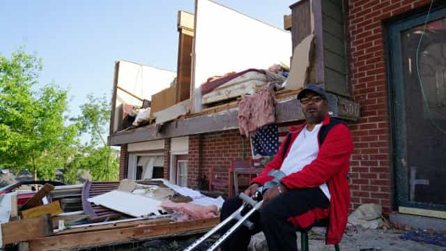 Tornados atingiram o Missouri e deixaram rasto de destruição