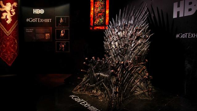 Poster da primeira temporada de 'Guerra dos Tronos' escondia final?