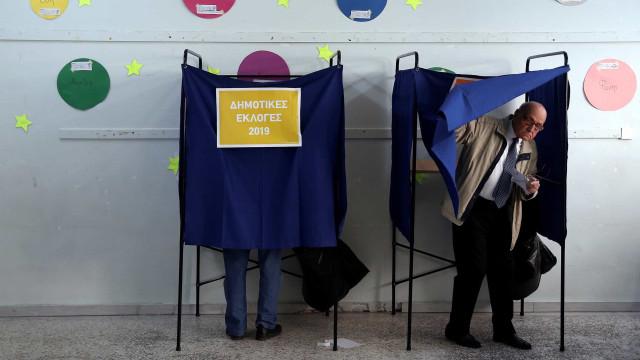 Grécia: Projeções dão vitória a conservadores, Syriza na segunda posição