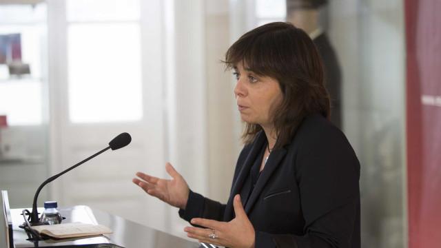 Catarina Martins insta PS a aprovar legislação que valorize salários