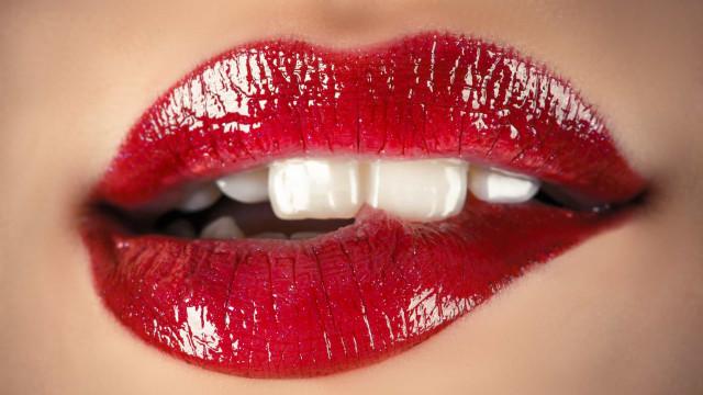 Quatro cuidados para conquistar lábios voluptuosos e macios