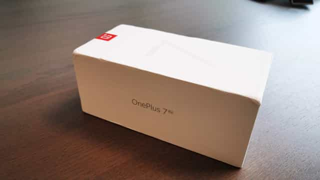 OnePlus 7 Pro. Veja como é tirar o topo de gama da caixa