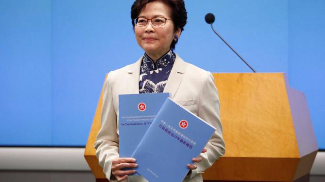 Chefe do Governo de Hong Kong volta a pedir desculpa à população