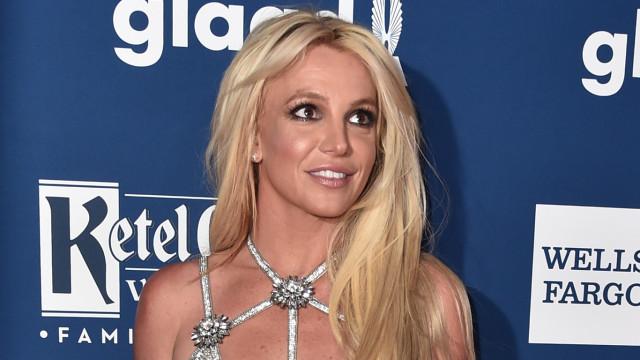 """Britney Spears focada na perda de peso: """"Sei que não estou perfeita"""""""