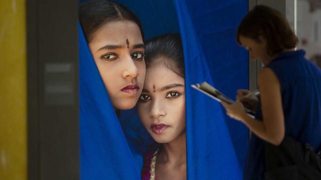 Fotógrafa retrata realidade feminina da Índia em exposição em Aveiro