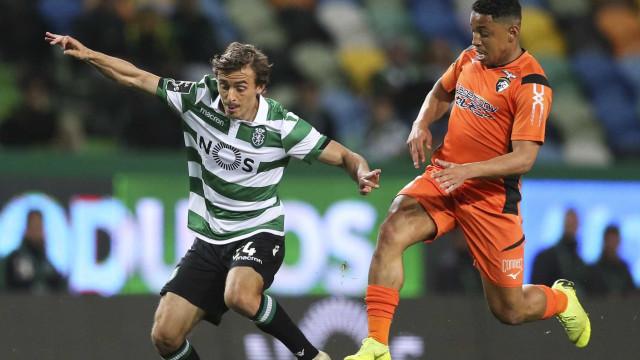 Francisco Geraldes a caminho do AEK, mas primeiro renova com o Sporting