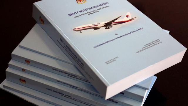 """MH370. Piloto """"despressurizou cabine"""" para """"matar"""" passageiros lentamente"""