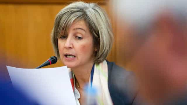 """Ministra da Saúde diz que """"está feita"""" recuperação das greves cirúrgicas"""