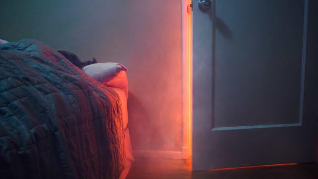 Pela sua vida, durma sempre com a porta do quarto fechada
