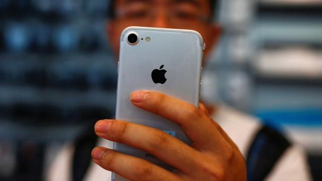 O próximo iPhone pode mesmo vir a ter câmara tripla