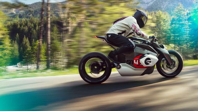 BMW exibe novo 'concept' de moto elétrica
