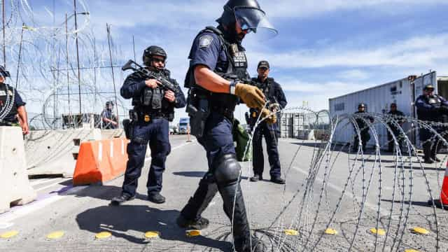"""ONU """"profundamente preocupada"""" com novas restrições dos EUA ao asilo"""