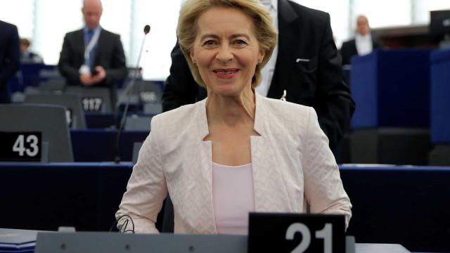 Extrema-direita vota contra Von der Leyen para satisfação da alemã