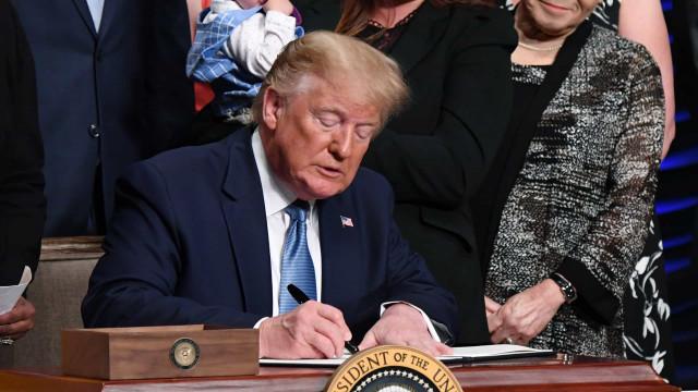 Trump diz que comentários sobre congressistas Democratas não são racistas