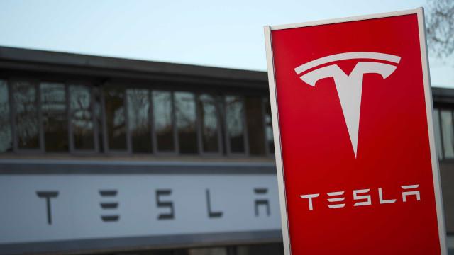 Indústria automóvel não levou a sério os carros elétricos, diz Elon Musk