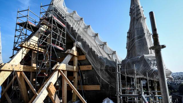 Três meses depois, assim vão as obras na catedral de Notre-Dame