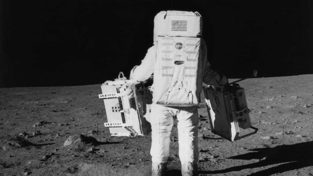 Imagens do desembarque lunar voltam a dar a volta ao mundo, pela Internet