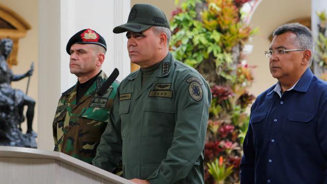 Venezuela e EUA trocam acusações sobre incidentes em espaço aéreo