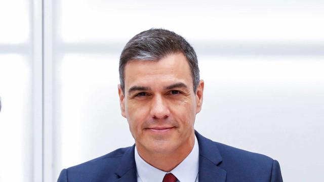 Sánchez promete subir salário mínimo, mas ainda não tem apoios