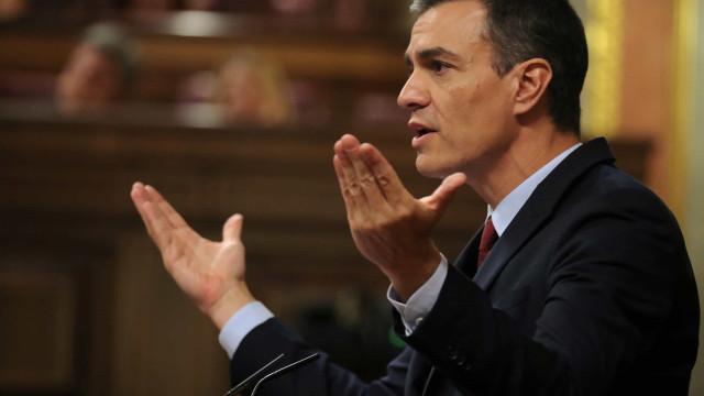 Sánchez tenta investidura mas deve ser adiada para conseguir apoios