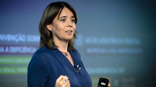 """Quem pede maioria absoluta """"é elite irresponsável"""", diz Catarina Martins"""