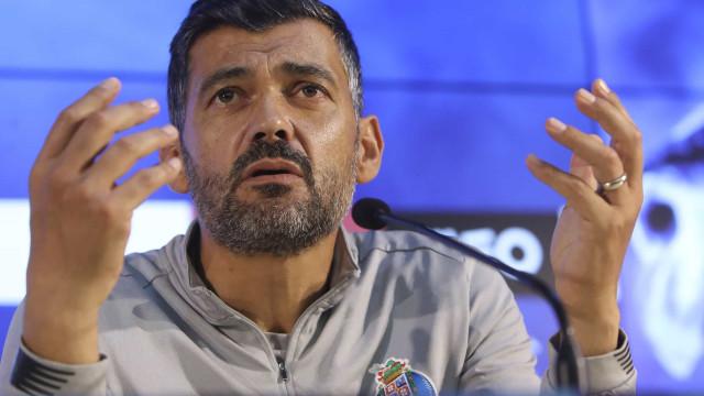 """""""Zé Luís? Se fosse meu jogador ia para o meu quintal..."""""""