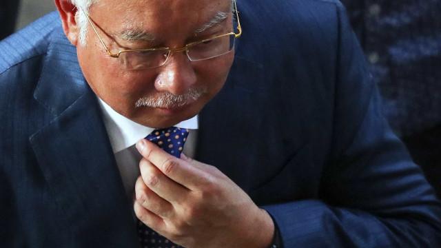 Adiado segundo julgamento de ex-primeiro-ministro da Malásia