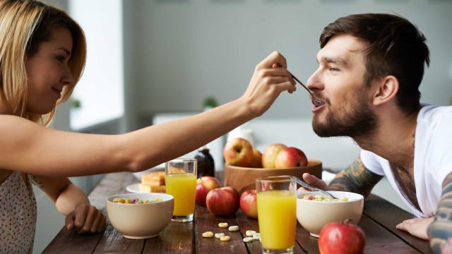 Bom dia! Esta é a hora correta para tomar o pequeno-almoço