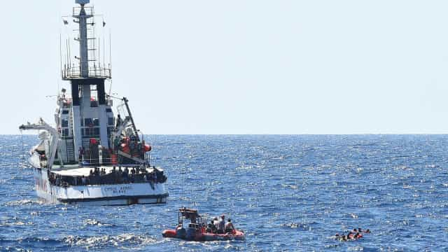 Procurador italiano ordena apreensão de Open Arms e desembarque imediato