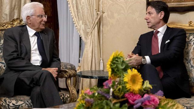 Primeiro-ministro italiano entregou demissão ao Presidente Mattarella