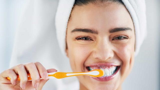 O leitor perguntou: Escova de dentes normal ou elétrica, qual é a melhor?