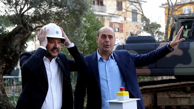 Socialistas italianos abertos a aliança com Movimento 5 Estrelas