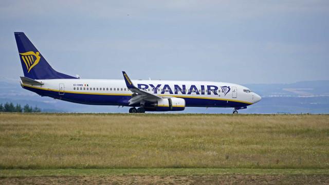 Sindicato acusa Ryanair de trazer trabalhadores de bases estrangeiras